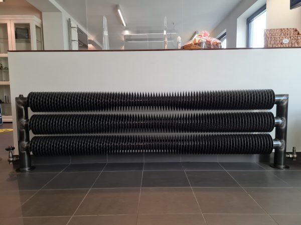 Ribbenbuis radiator met kraanwerk